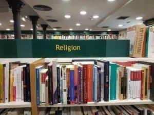 Religión lleva tilde
